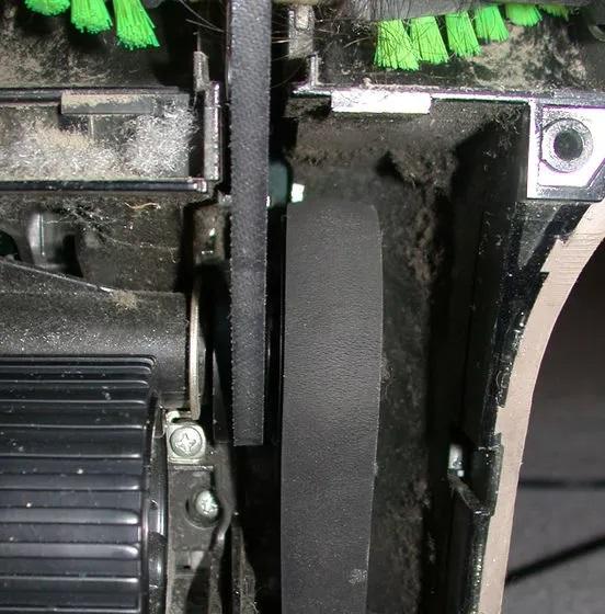 Bảo dưỡng dây đai máy hút bụi